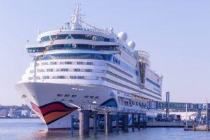 AIDA Cruises sagt Reisen bis 31. Mai ab und bietet Bonus auf Reiseguthaben