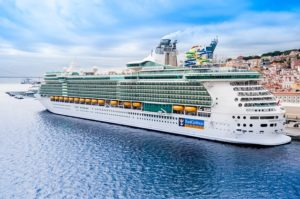 "Die Royal Caribbean Group verlängert ""Cruise with Confidence""-Richtlinien bis April 2022"