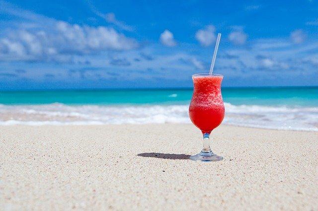 You are currently viewing Norwegian Cruise Line: Mit diesen Cocktails zieht Urlaubs-Feeling zuhause ein