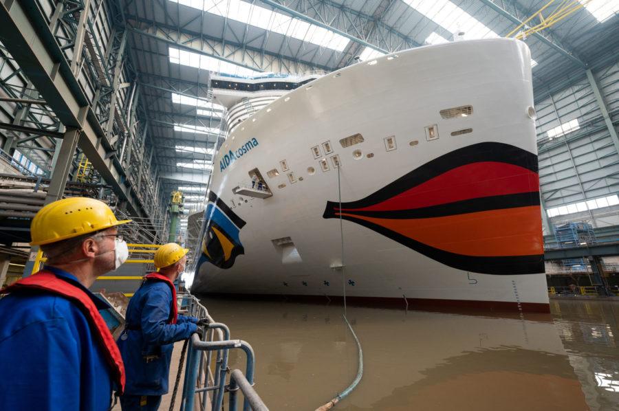 Read more about the article Neues LNG-Kreuzfahrtschiff verlässt Baudock