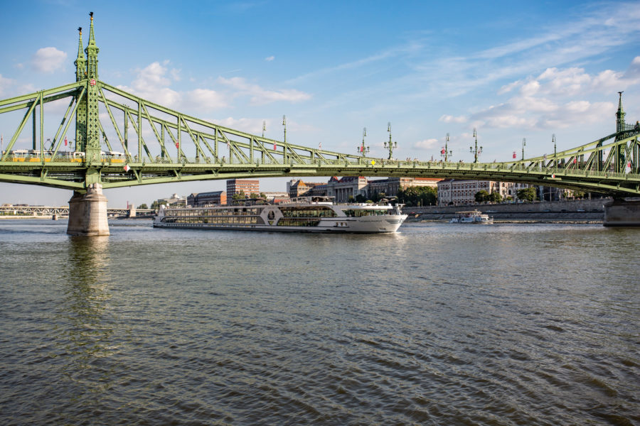 Read more about the article MS THOMAS HARDY für nicko cruises im Einsatz