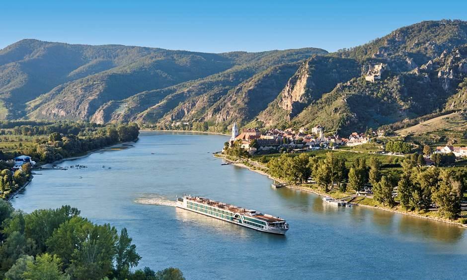 You are currently viewing Amadeus Flusskreuzfahrten mit neuem Schiff, neuen Ausflugsprogrammen und neuem Katalog 2022