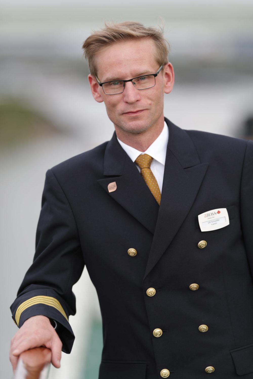 Read more about the article Kapitän der A-ROSA SENA stellt sich vor